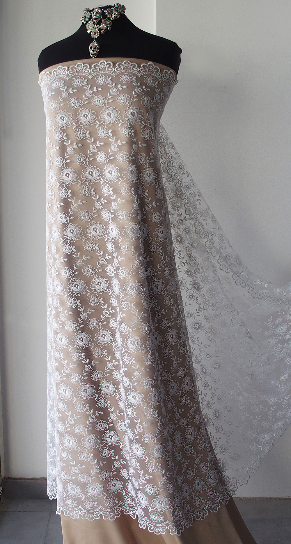 Ivory Off White Bridal Lace Fabric Veiling Scallop Edging