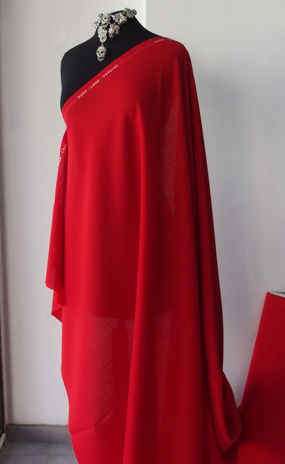 Wool Crepe Fabric Red 100 Wool Made In Italy Woven