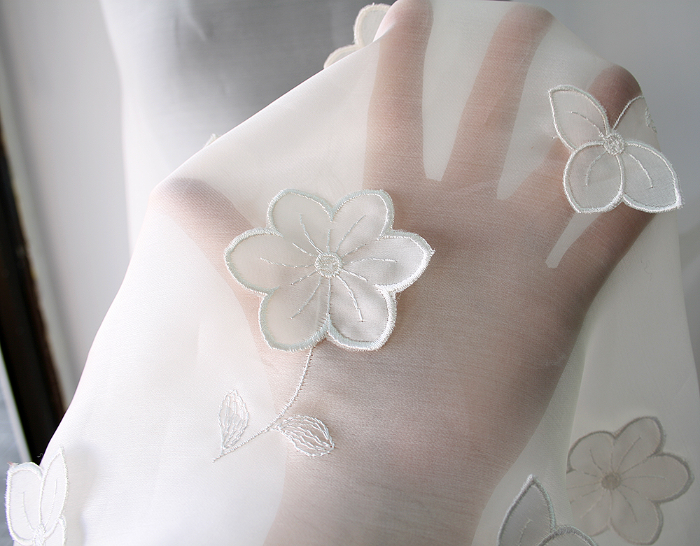 Off White White Silk Organza Fabric 3d Flowers Bridal