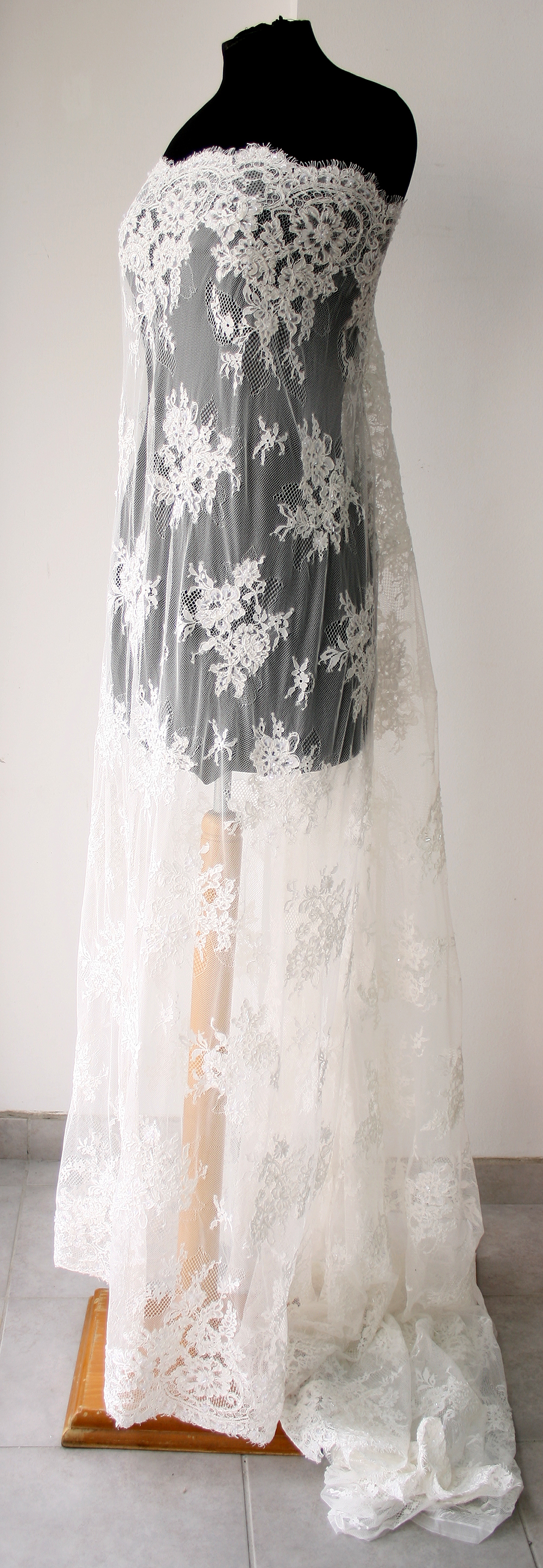 White Bridal Lace fabric wedding dress veil gown tulle ...