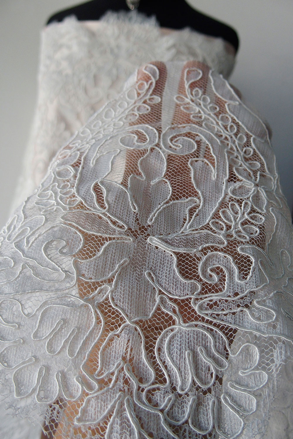 Ivory bridal lace fabric corded lace alencon scallop for Wedding dress lace fabric