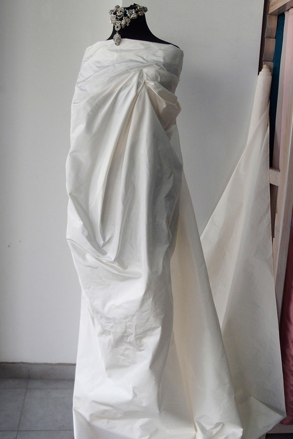 Off white ivory silk taffeta fabric bridal wedding dress for Ivory silk wedding dresses