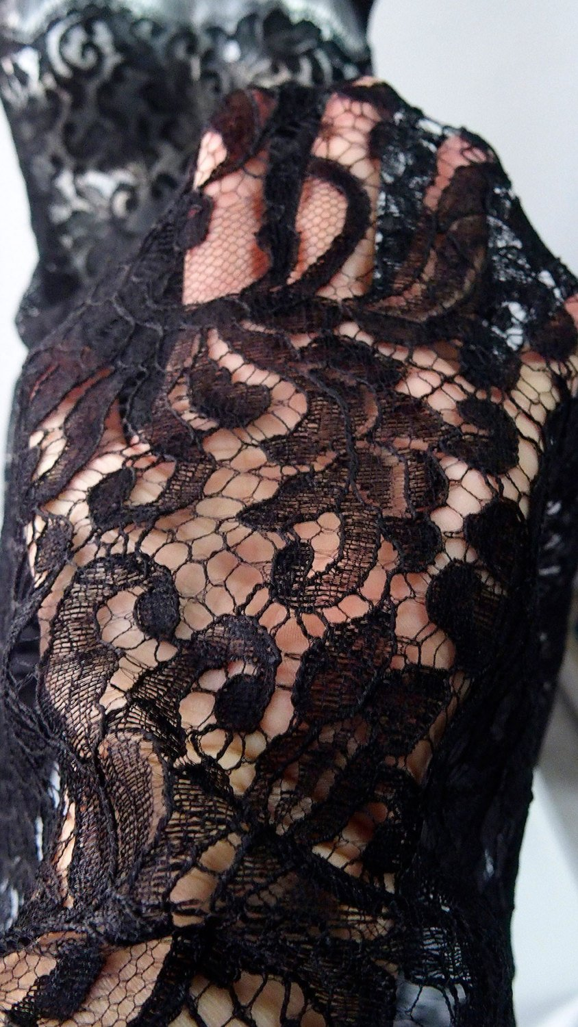 Black lace fabric floral lace scallop edge eyelash bridal, evening gown, cocktail dress Goth wedding, Burlesque, Baroque design 95cm width