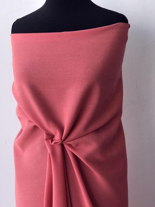 pink crepe fabric polyester wool made in UK skirt dress suit wool georgette pebble crepe