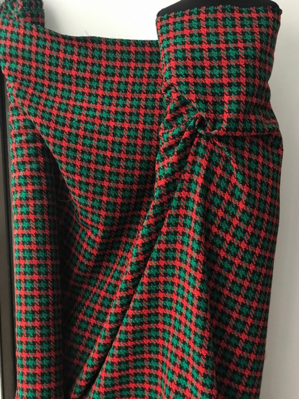 Red green black check hounds tooth fabric boucle wool tartan plaid pure wool tweed fancy wool high end suiting coat 150cm wide
