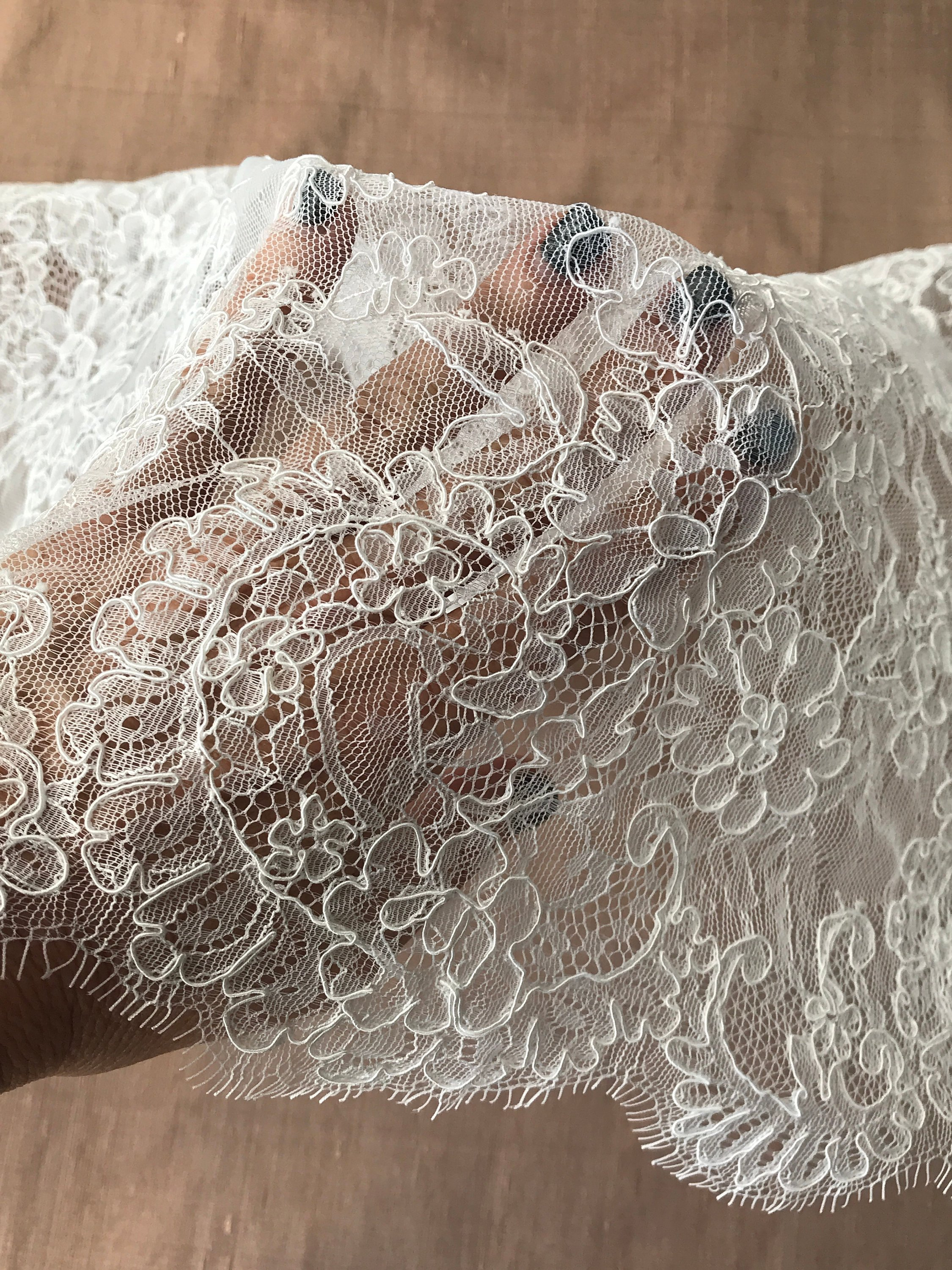 off white ivory bridal lace corded border lace scallop edge both sides with eyelashes veiling 40cm wide