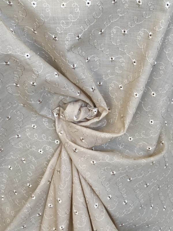 beige broderie anglaise